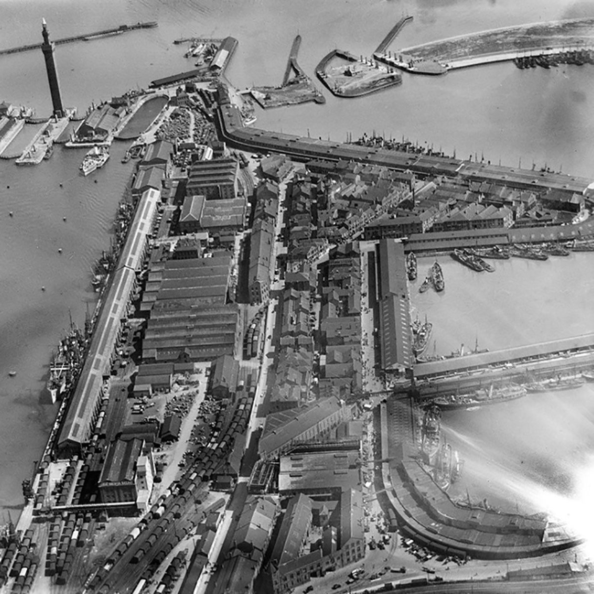 Old photo of Grimsby docks